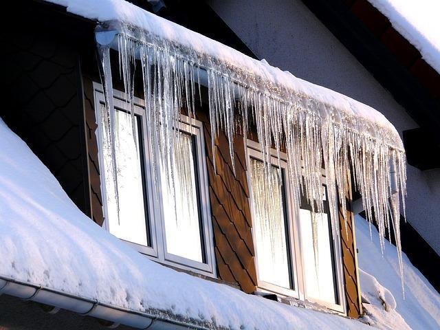 https://pixabay.com/photos/ice-icicle-cold-winter-window-55457/